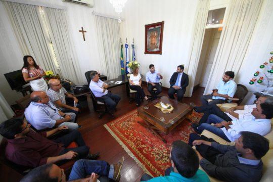 Encontro entre prefeitos de Campos e Quissamã sobre Complexo Farol-Barra do Furado (Foto: Ascom)