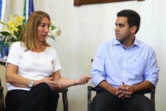 encontro-entre-prefeito-rafael-diniz-e-fatima-pacheco-4