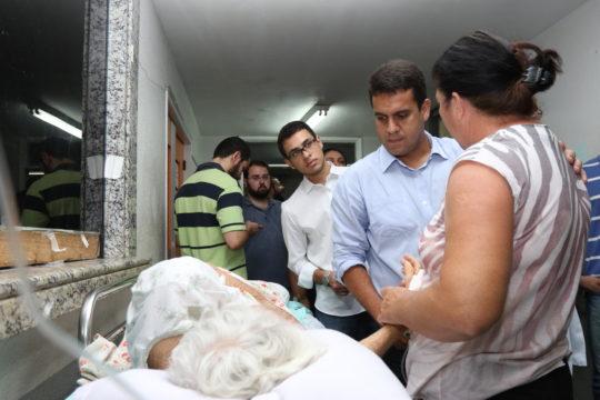 prefeito-rafael-diniz-visita-hospital-ferreira-machado-foto-de-carlos-grevi-14
