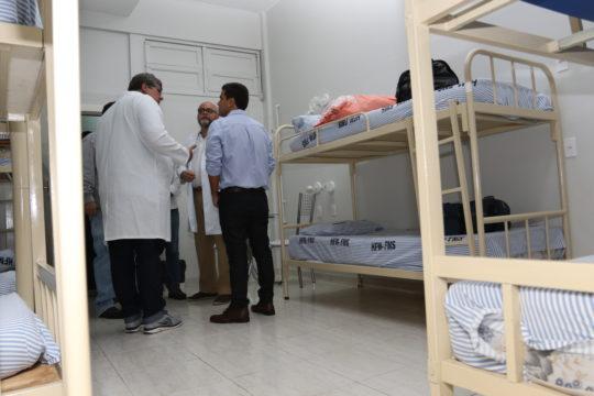 prefeito-rafael-diniz-visita-hospital-ferreira-machado-foto-de-carlos-grevi-5