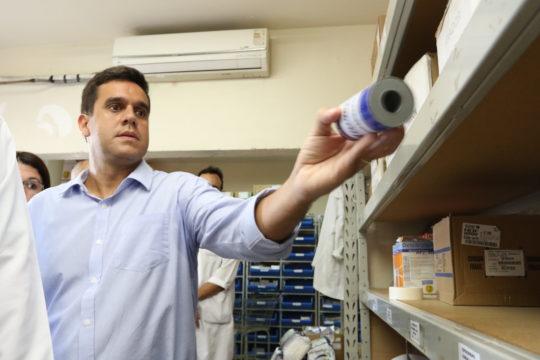 prefeito-rafael-diniz-visita-hospital-ferreira-machado-foto-de-carlos-grevi-56