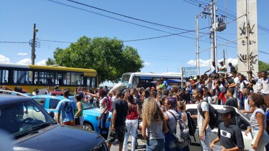 Confusão no entorno do Campos Shopping/Arquivo (Foto: JTV)