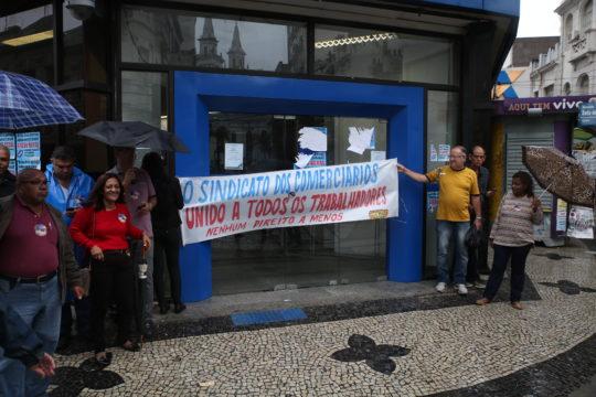 manifestantes-da-greve-no-centro-de-campos-silvana-rust-10