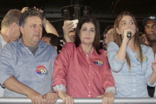 Garotinho, a esposa e a filha são acusados pelo MPE de montagem de esquema na Prefeitura de Campos para beneficiar candidatos do PR. (Foto: Daniel Castelo Branco/Agência O Dia)