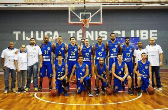 O jogo aconteceu na quadra do Tijuca Tênis Clube, no Rio de Janeiro (Foto: Divulgação Secom Campos)