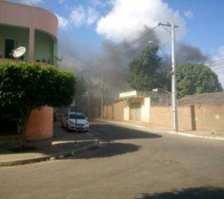 incendio-em-residencia-no-bairro-eldorado