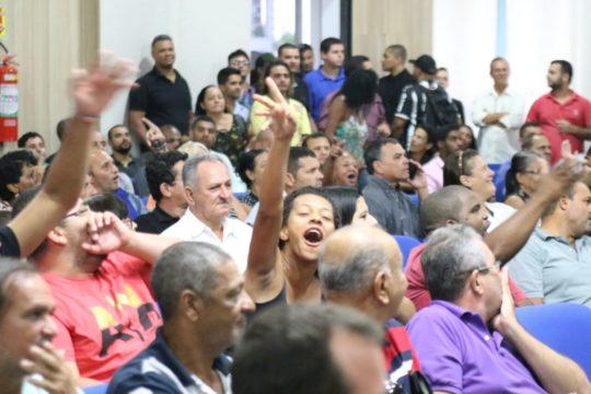 Sessão foi tumultuada (Foto: JTV)