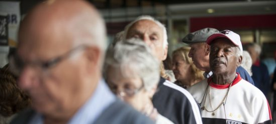 Lei garante a quem tem mais de 80 anos prioridade sobre  os  demais idosos (Foto: Arquivo//Agência Brasil)
