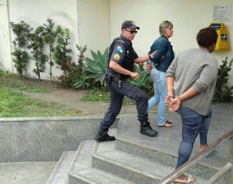 Mulheres foram levadas para a 146ª DP (Foto: NF Notícias)