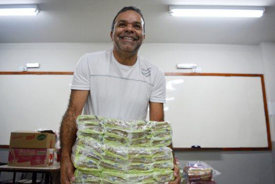 Alimentos foram arrecadados por alunos em gincana cultural (Foto: divulgação)