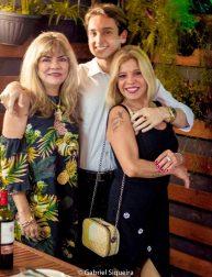 Paulo Ferreira comemorando o seu Aniversário na Pelinca com as queridas Luciana D'Angelo e Scheilla Siqueira