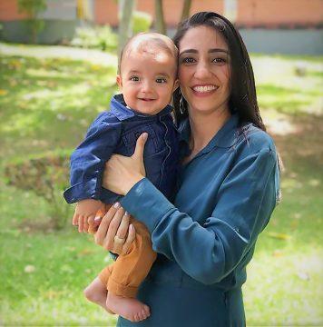 Suellen Braga com Pedro - a coisa mais linda dessa vó do coração!