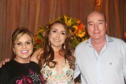 Maria Edyr, Alessandra e o pai Mauricio Vasconcelos.