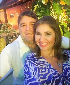 Casal querido: Fabrício Jacintho Lobo e Denize Teller.