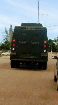 Caveirão do BOPE chega à Macaé (Foto: Whattsapp)