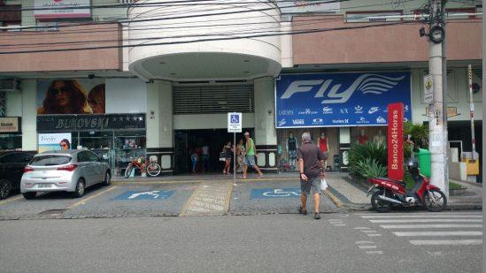 Shopping já está funcionando normalmente na manhã desta quinta-feira (Foto: Silvana Rust)