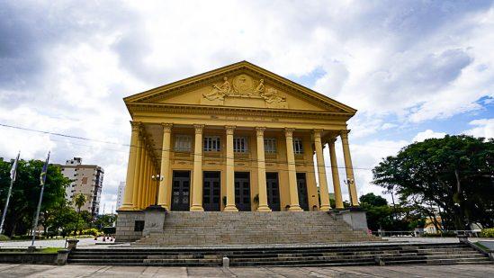 Câmara retomará sessões plenárias com presença de público no mês que vem