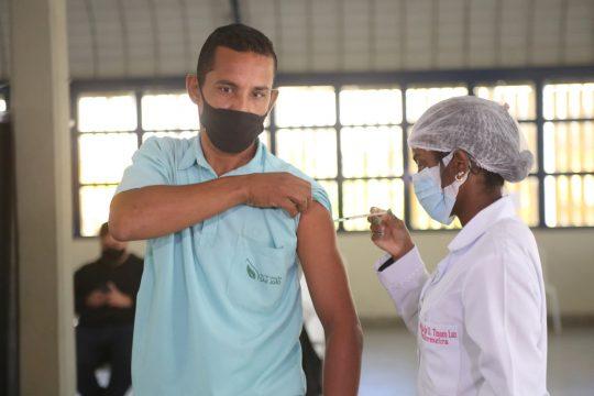 Repescagem de vacinação para pessoas com 34 anos ou mais nesta terça